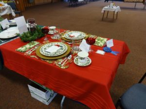 The Tuesday Hiking Group created this Christmas table which won a blue ribbon and tied for third in best of show.